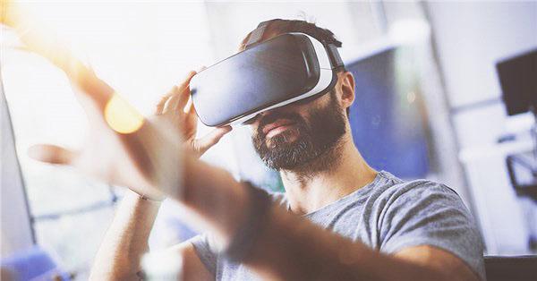 HTC宣布Vive Libraries计划 把VR设备带进图书馆-360全景